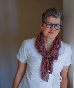 Frau Dr. Manuela März